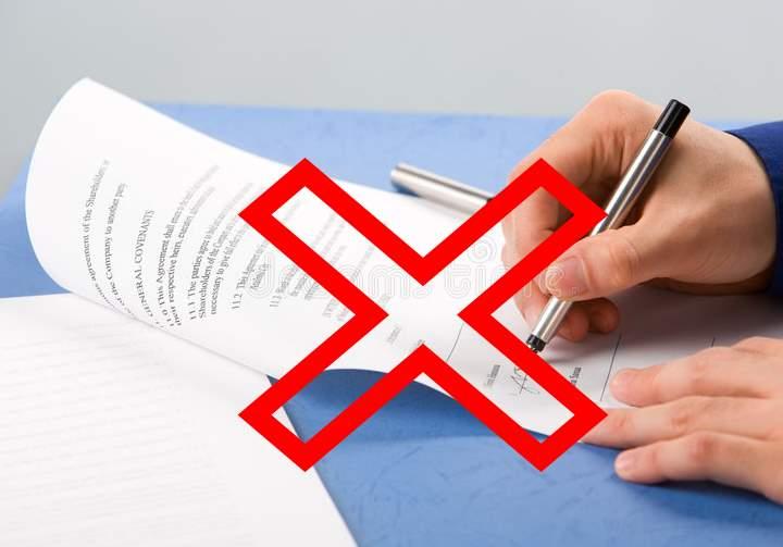 Как отказаться от страховки по кредиту правильно и по закону