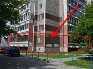 Девятиэтажка с квартирой под магазин